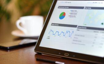 Czy każdy sklep internetowy powinien inwestować w analitykę? Poznaj odpowiedź!