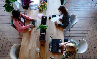 Jak zadbać o ergonomię w miejscu pracy?
